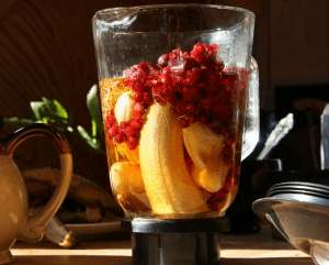 Como limpiar el estómago de manera natural (jugos y licuado